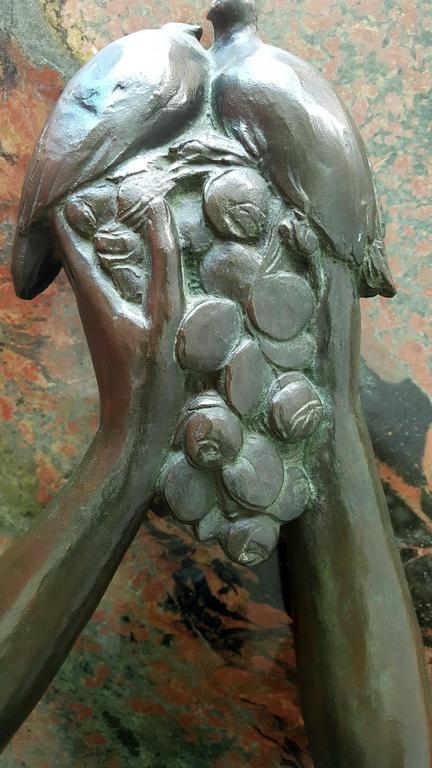 Art Deco Vénus aux colombes et aux raisins,   Nude Venus with doves and grapes For Sale 3