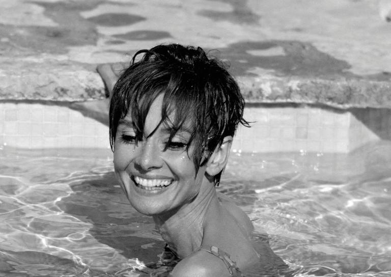 Terry O'Neill - Audrey Swimming (Black and White ...