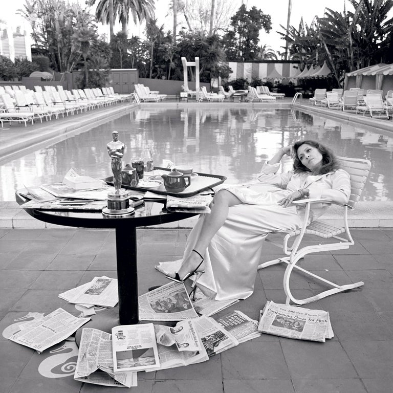 "Terry O'Neill Black and White Photograph - ""Oscar Ennui"" Los Angeles, 1977"