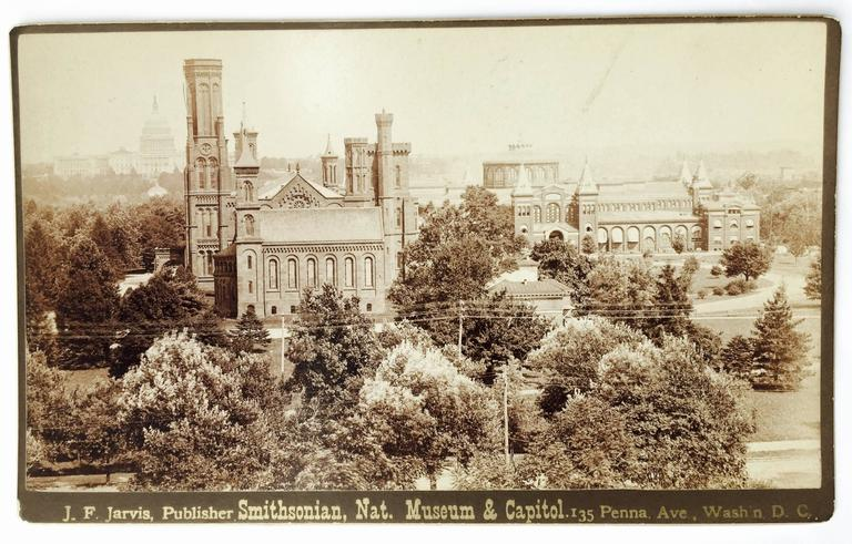 SMITHSONIAN, NAT. MUSEUM AND CAPITAL - Photograph by Unknown