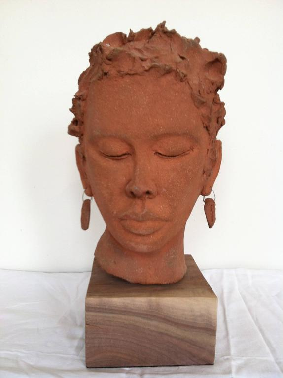 Terry Rooney Figurative Sculpture - Thea