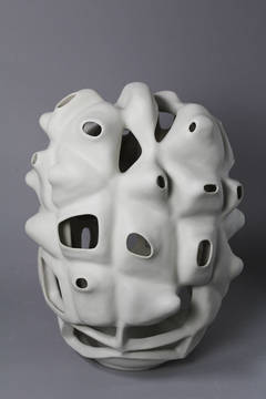 JL33 - Porcelain geometric white sculpture