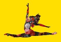 Grand jetés avec des fleurs (Yellow) Limited Edition of 20. Contemporary.