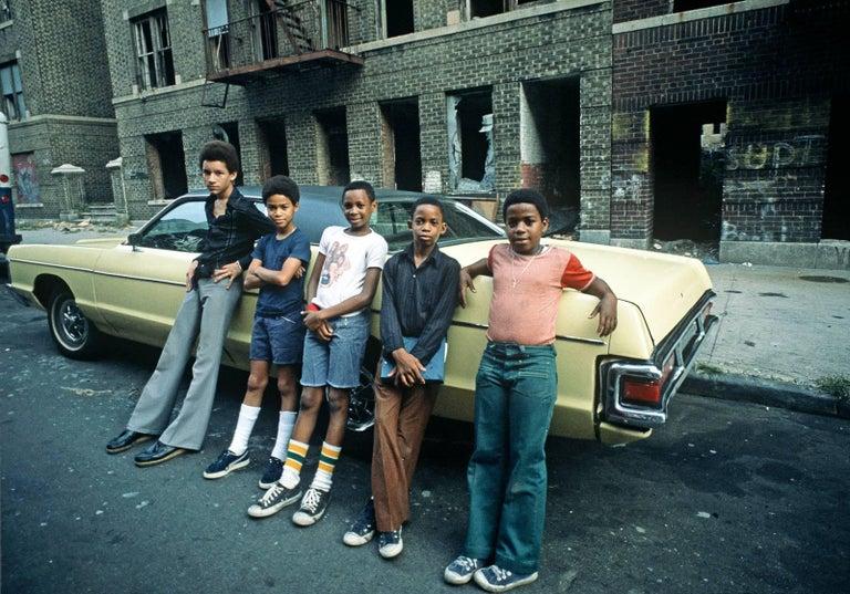 Alain Le Garsmeur Color Photograph - Bronx Teenagers