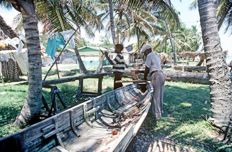 Alain Le Garsmeur Color Photograph - Mosquito Coast Boat Building
