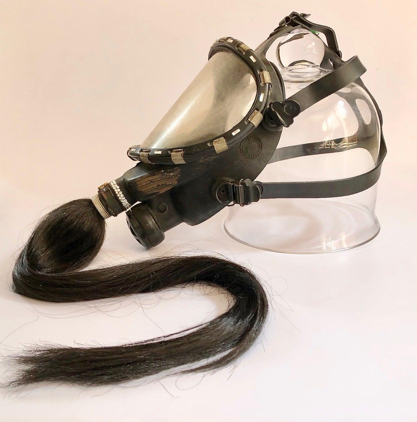 3.1 From La Filosofía en el Tocador, Antique Gas Mask