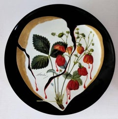Flordali, Heart of Strawberries - Porcelain dish (Black finish)