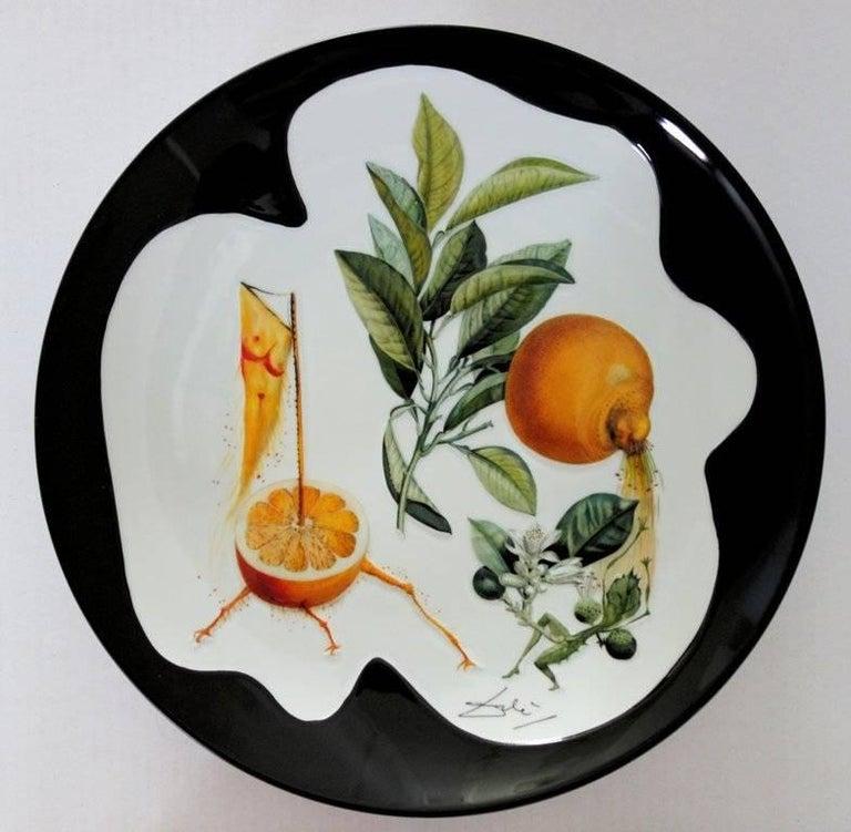 (after) Salvador Dali Figurative Sculpture - Flordali, Erotic Grapefruit - Porcelain dish (Black finish)