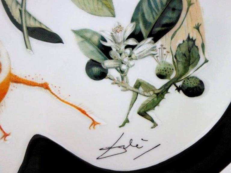 Flordali, Erotic Grapefruit - Porcelain dish (Black finish) - Sculpture by (after) Salvador Dali