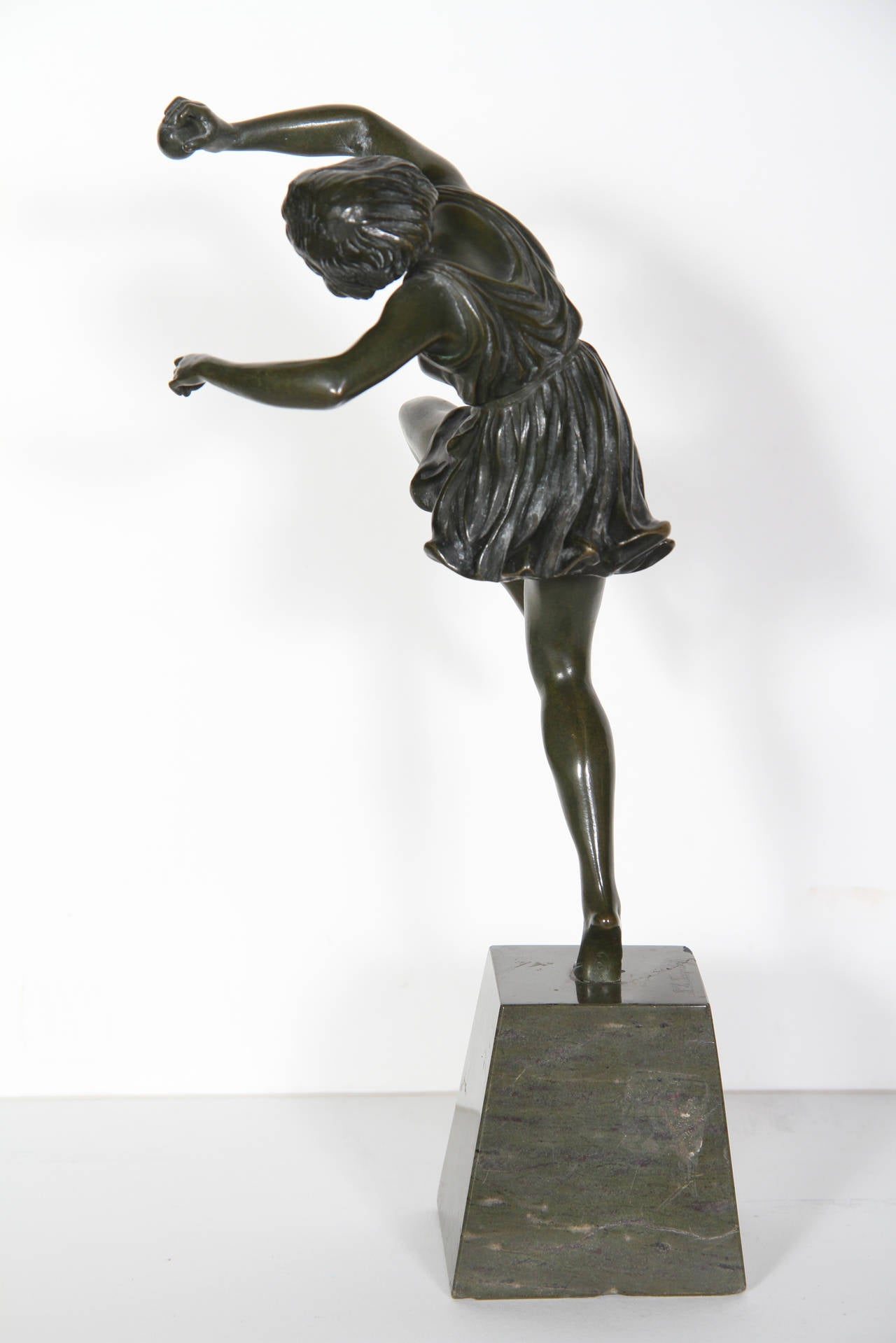 Dancing Girl with Ball, Art Deco Sculpture 1920's For Sale 1