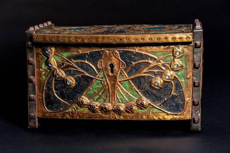 Daguet's box is an intricately-worked and fine example of the art nouveau style.  To create his butterfly garden, Daguet ties together an awareness of current artistic trends from the British Isles and many earlier antecedents from the Medieval