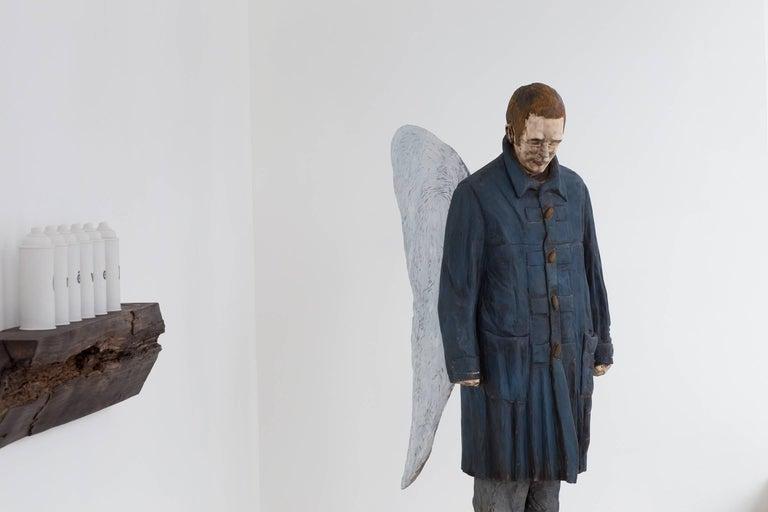 Coeur de plume - Sculpture by Jean-Robert Drouillard