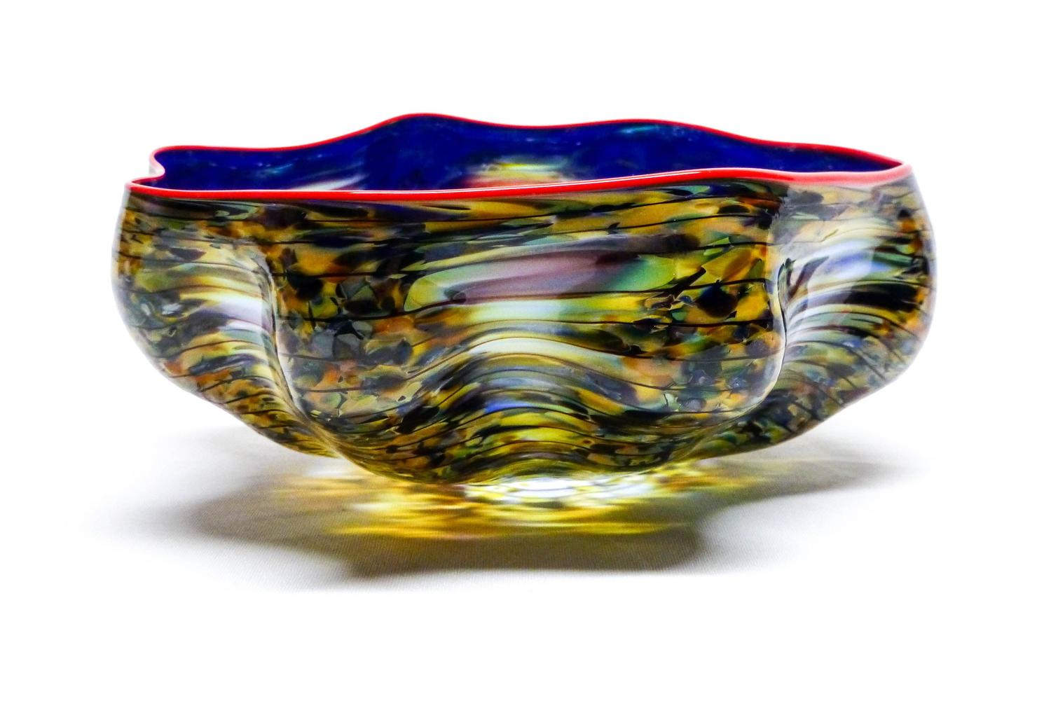Dale Chihuly Peacock Pheasant Macchia With Poppy Lip