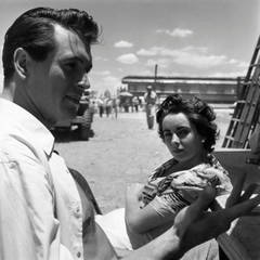 """Rock Hudson and Elizabeth Taylor on the Set of """"Giant"""" in Marfa, Texas"""