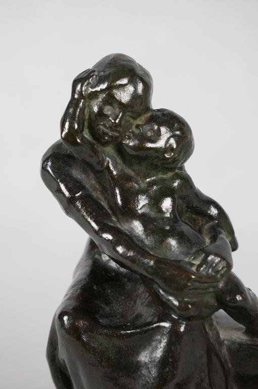 Baby2 - Gray Figurative Sculpture by Maliver Emilie