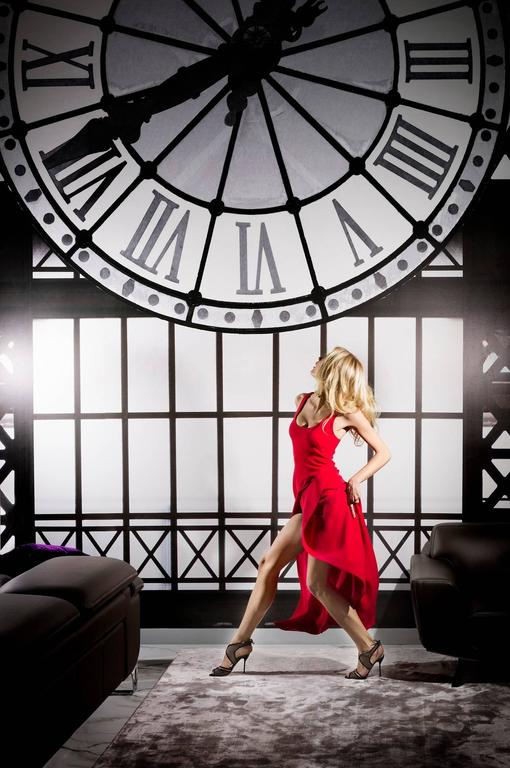 David Drebin Color Photograph - Clockwatcher