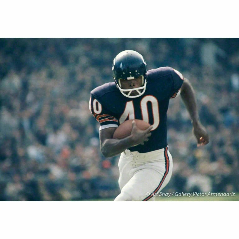 Art Shay Color Photograph - Gale Sayers #40, 1966