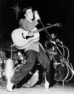 Elis Presley, The King of Rock N' Roll Performing Fine Art Print