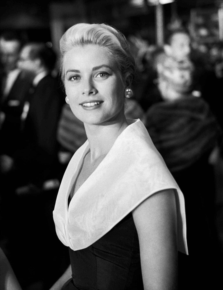 Frank Worth Black and White Photograph - Grace Kelly - Rear Window Fine Art Print