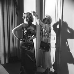 """Marilyn Monroe on the Set of """"How to Marry a Millionaire"""" Fine Art Print"""
