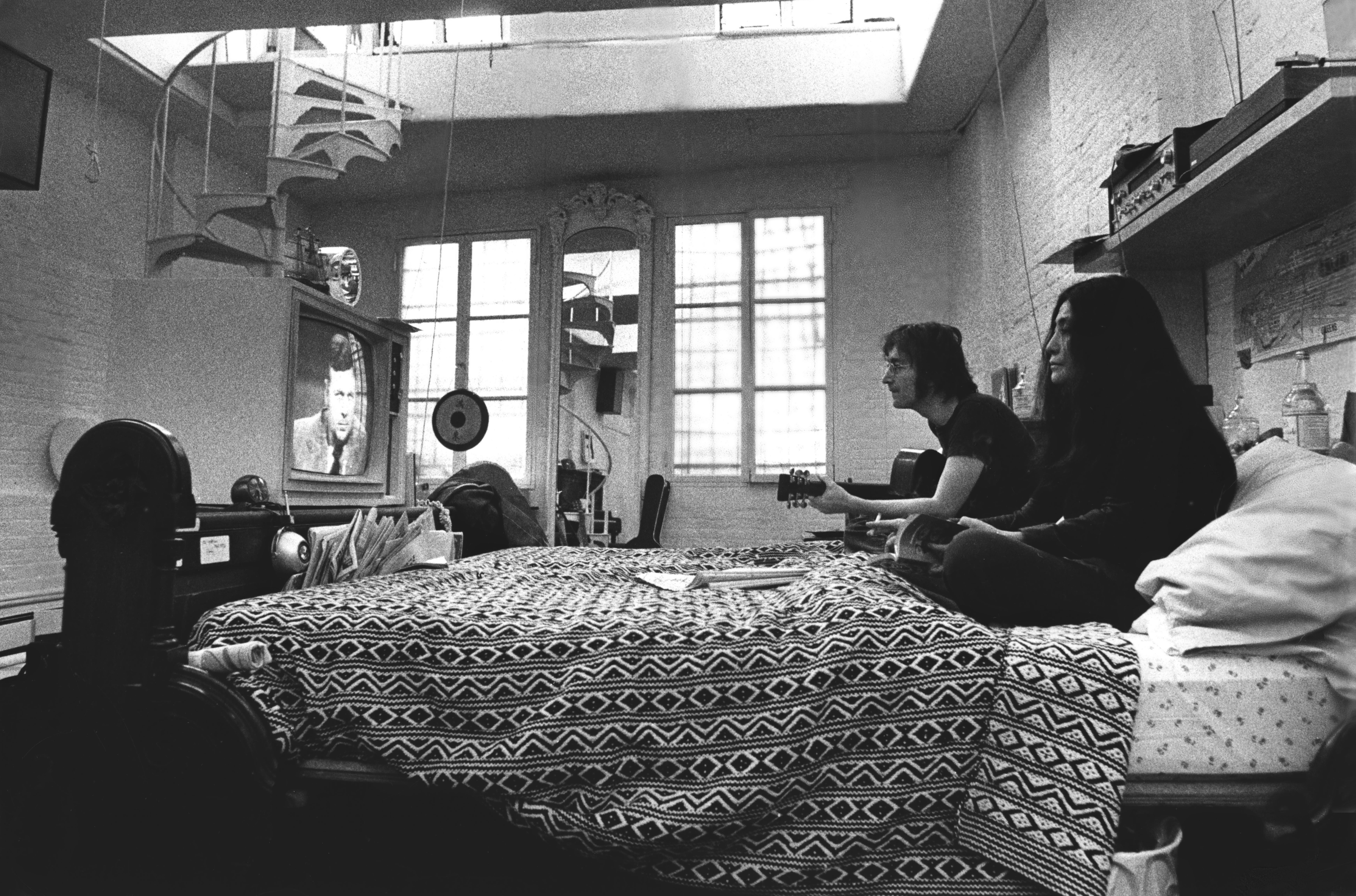 Ben Ross John Lennon And Yoko Ono In Their Greenwich Apartment Fine Art Print Photograph For At 1stdibs