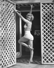 Marilyn Monroe, Left Leg Up, 1953 Oversized Vintage Print