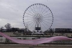 La grande rouge, Paris