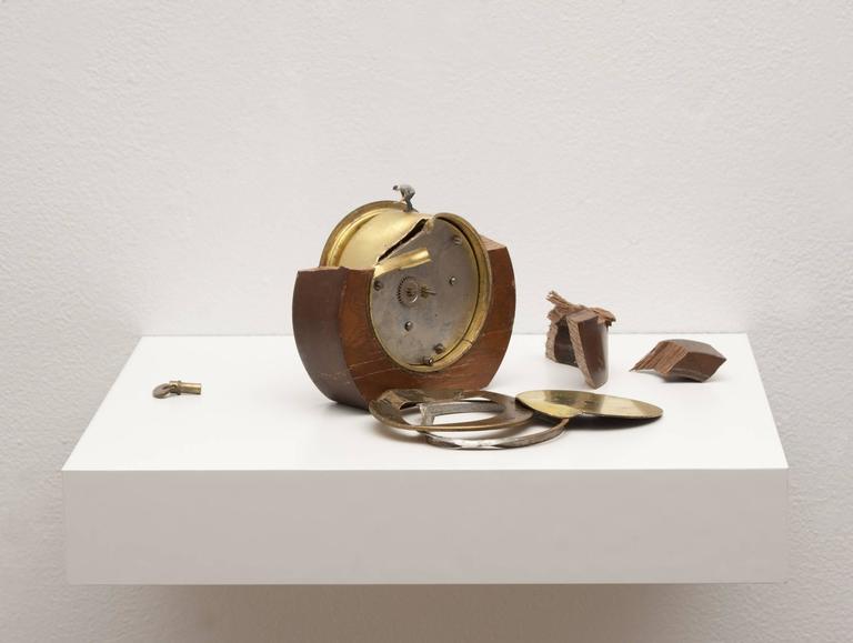 Liliana Porter - To Fix It II (round clock) 1