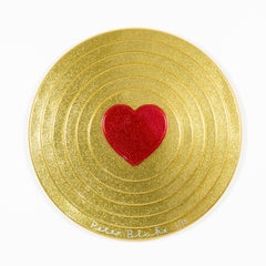 Red heart on gold Target (metal flake)