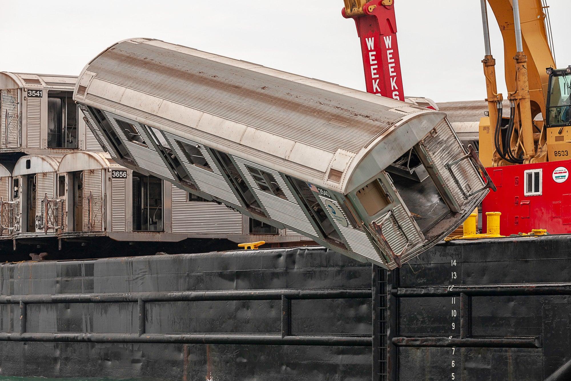 """Air Break"" Reefing of New York Subway Car (20""x30"" Color Photograph ed.5"
