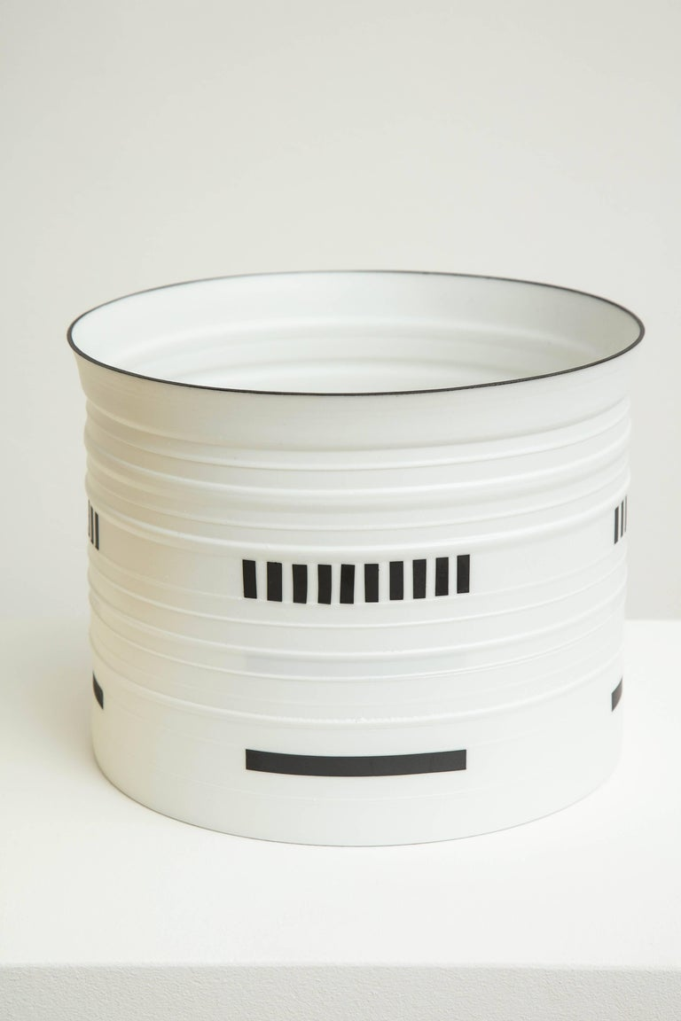 Bodil Manz black and white porcelain vessel, made in Denmark For Sale 2