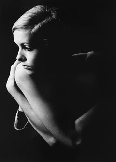 Twiggy, London, Black and White Portrait Photography of 1960s British Top Model