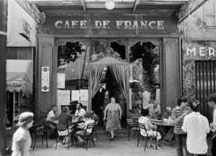 Le Cafe de France, Paris, gelatin silver print, signed, 1979 by Willy Ronis