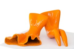 Couple in Orange, a colorful and romantic bronze sculpture by Beatriz Gerenstein