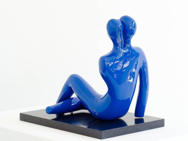 Soulmates (#3) in Blue - Contemporary Sculpture by Beatriz Gerenstein