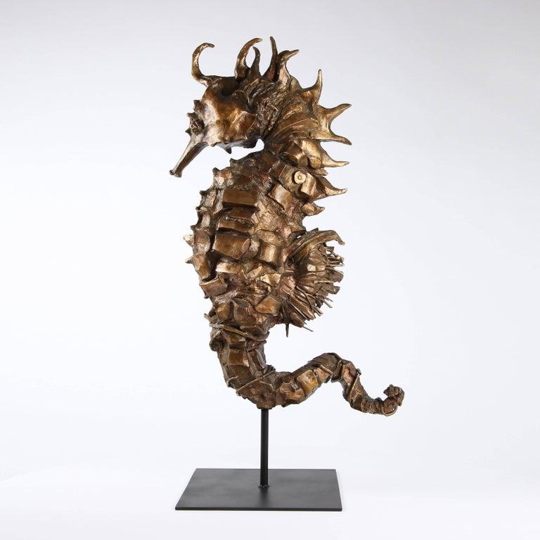 Seahorse Rex Gold - Gray Figurative Sculpture by Chésade