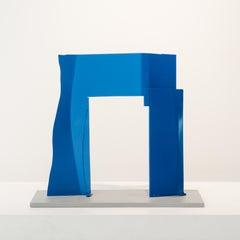 Blue Arch, aluminum sculpture painted blue (maquette)