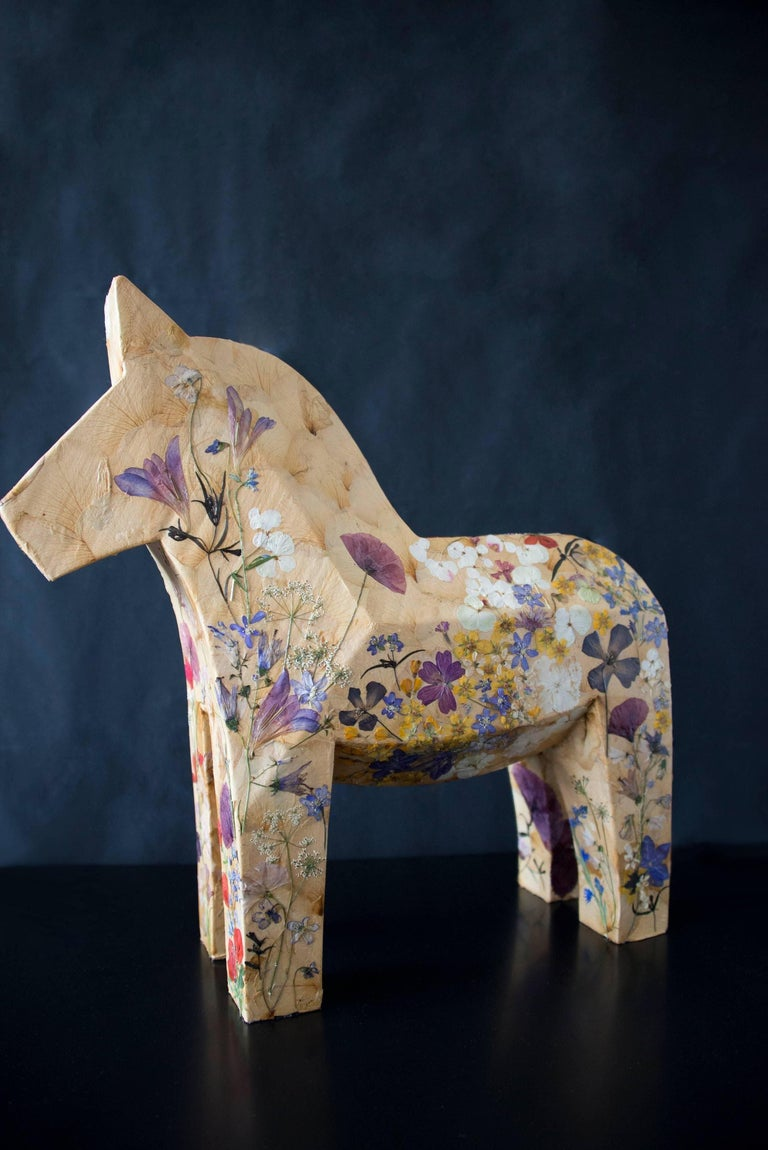 Mille Fiori,  pressed flowers on wood horse  - Brown Figurative Sculpture by K-OD