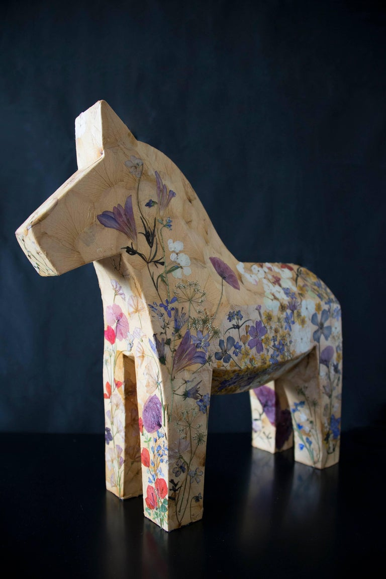 Mille Fiori,  pressed flowers on wood horse  - Modern Sculpture by K-OD
