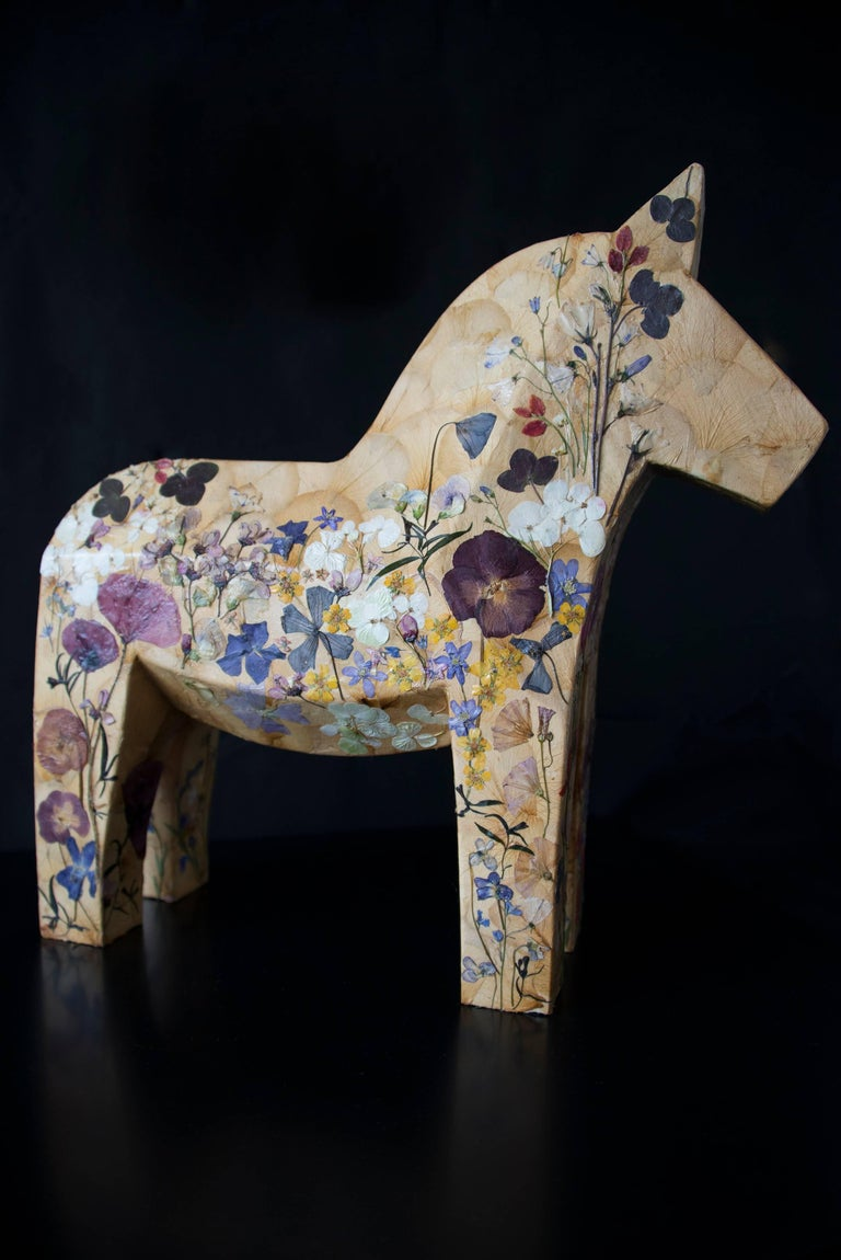 K-OD Figurative Sculpture - Mille Fiori,  pressed flowers on wood horse