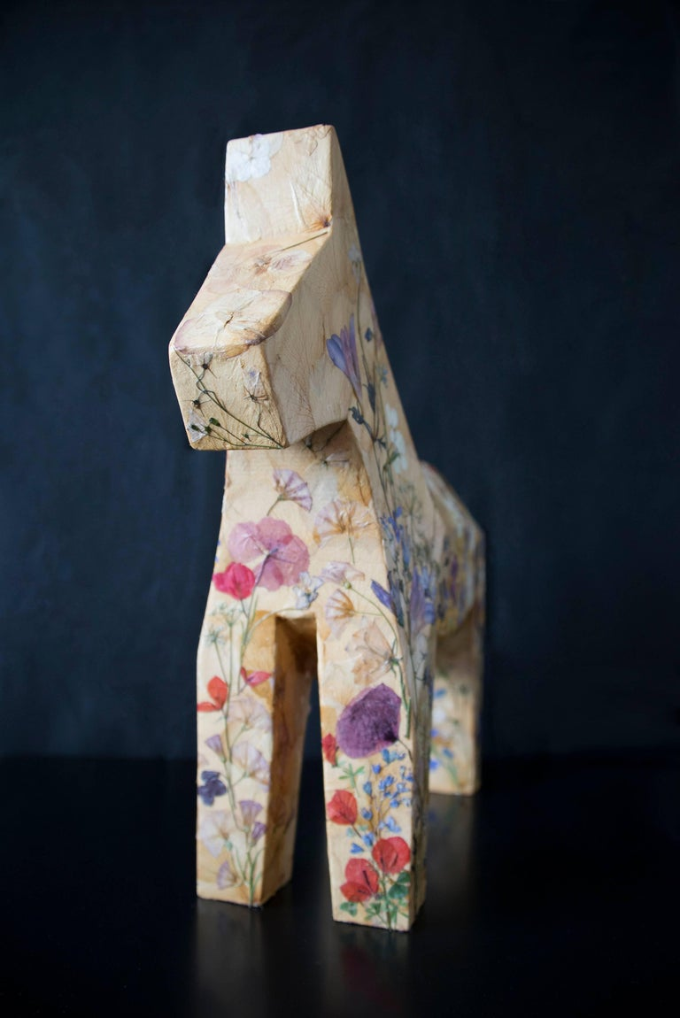 Mille Fiori,  pressed flowers on wood horse  - Sculpture by K-OD