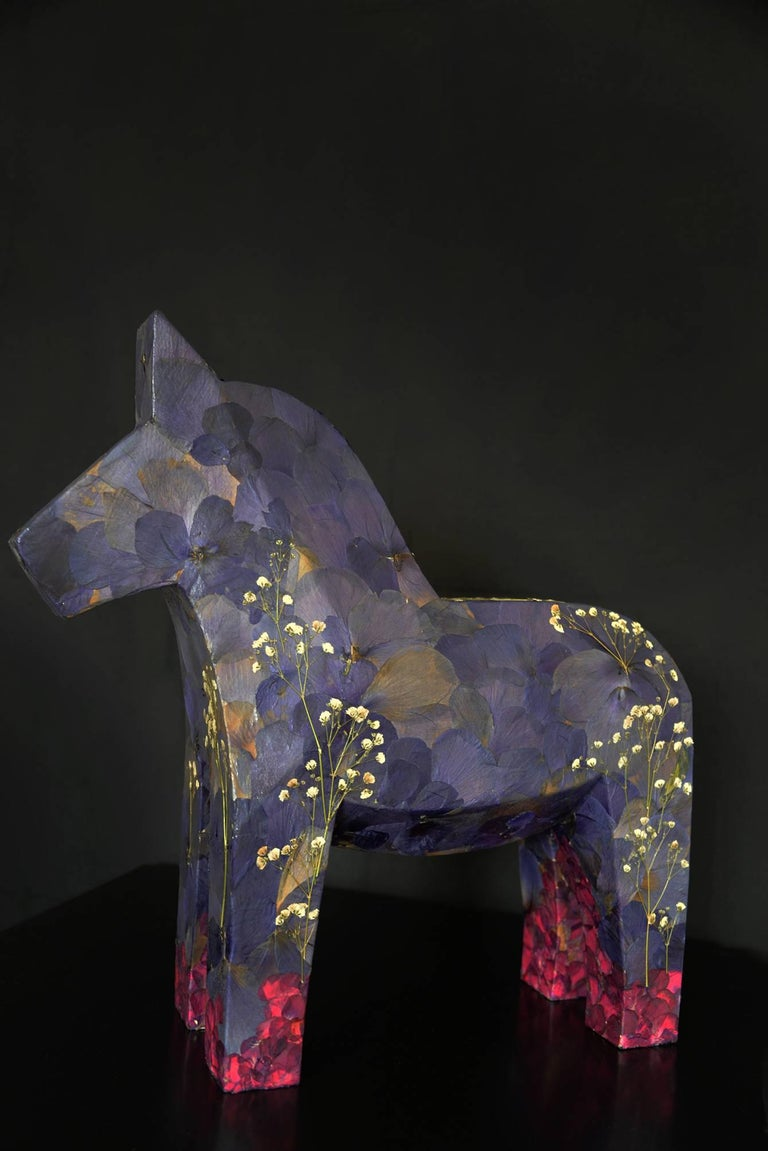 Aoi aoi ano sora (the blue sky), pressed flowers on wood horse For Sale 1