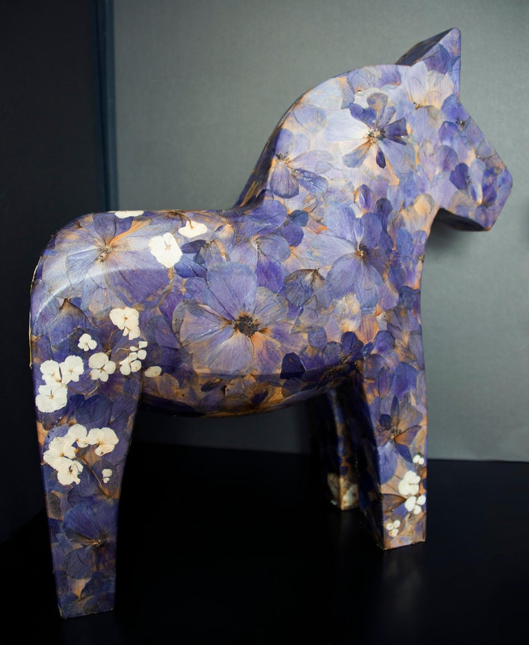 Hanami, pressed flowers on wood horse  - Contemporary Sculpture by K-OD