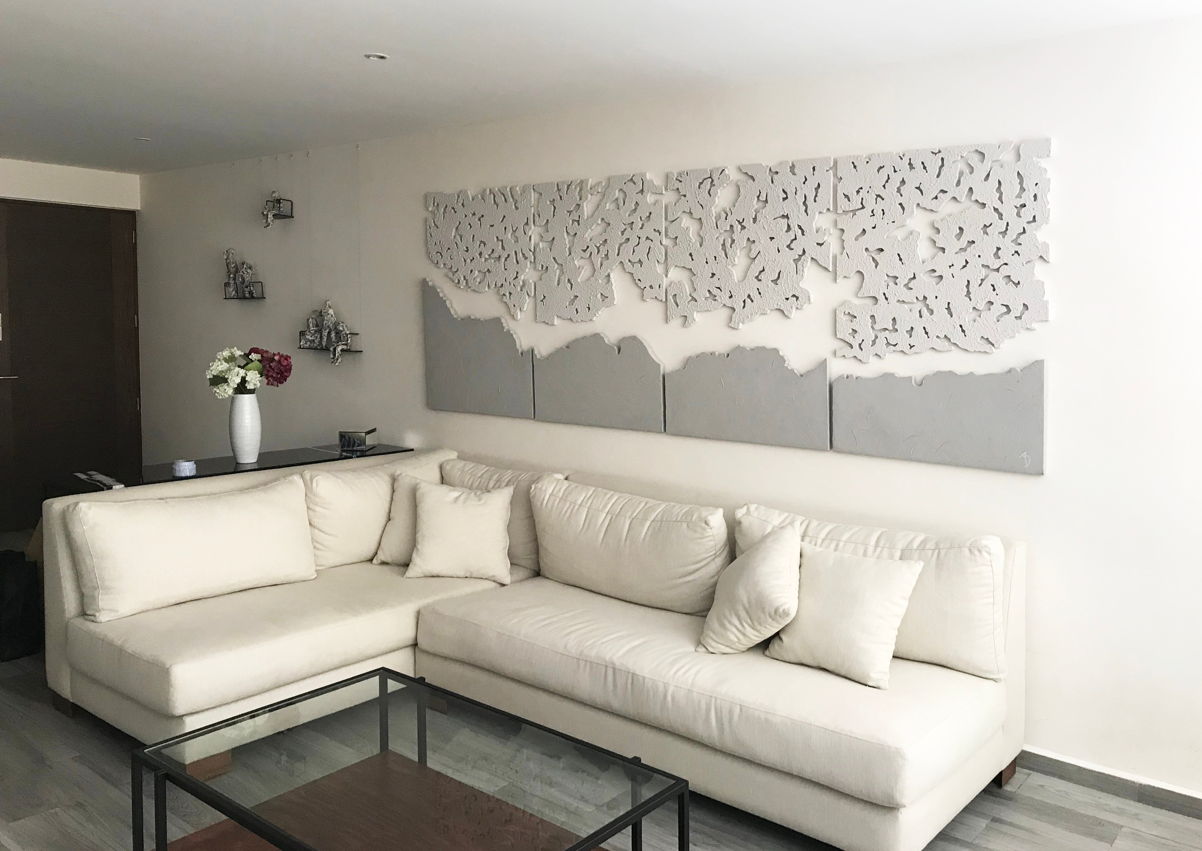 Elegant and Neutral Contrast Decoration For Modern Spaces
