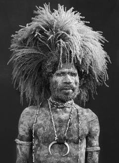 PERFORMER AT THE MOUNT HAGEN SING SING FESTIVAL, PAPUA NEW GUINEA, 2008