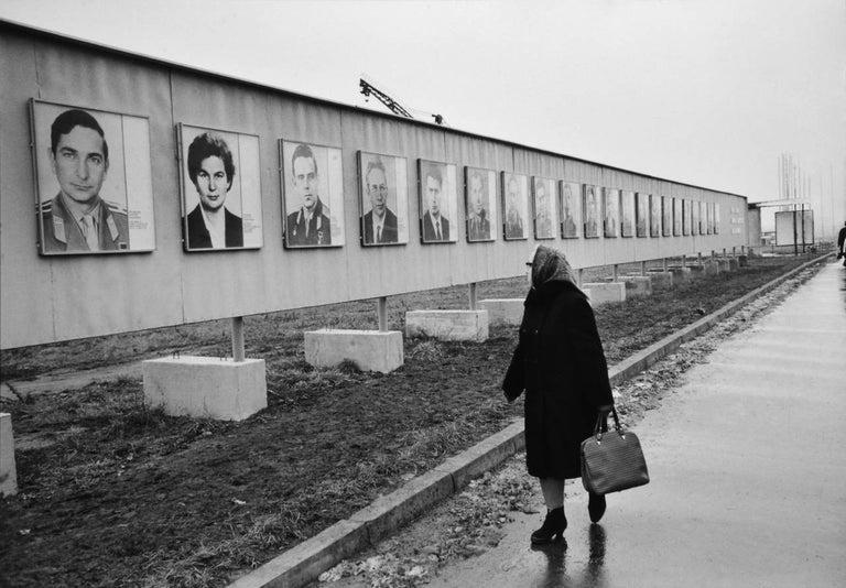 Henri Cartier-Bresson Black and White Photograph - Cosmonauts, Leningrad Avenue, Moscow, 1972