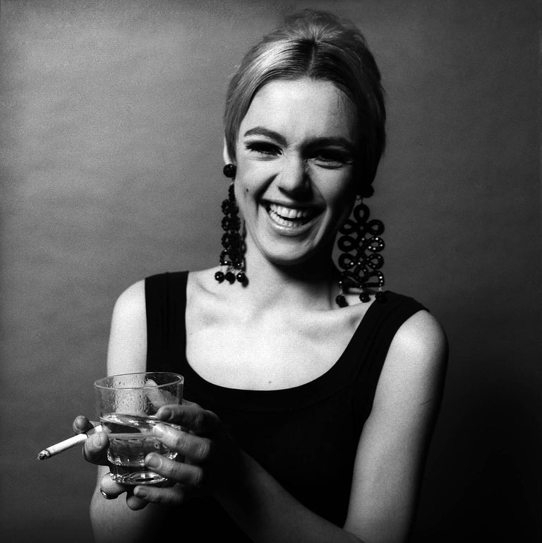 Edie Sedgwick, Hold Tight, 1966 - Jerry Schatzberg (Portrait Photography) Signed on reverse Silver Gelatin Print Printed on 20 x 24 inch paper From an Edition of 20  Jerry Schatzberg's portraits are characterised by their narrative quality,