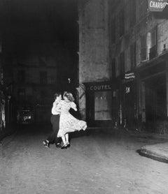 Le Derniere Valse de 14 Julliet, 1949 - Robert Doisneau (Black and White)