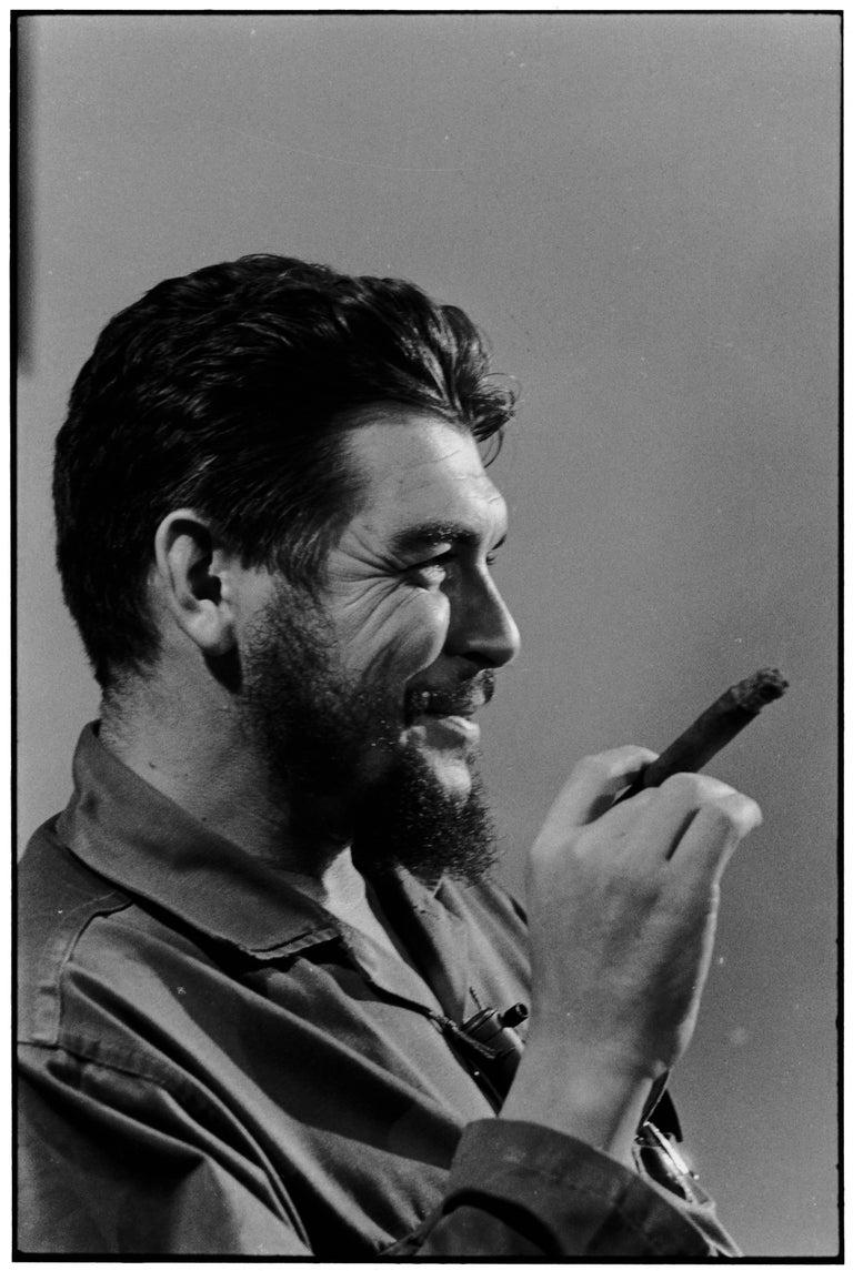 Elliott Erwitt Portrait Photograph - Che Guevara, Havana, 1964