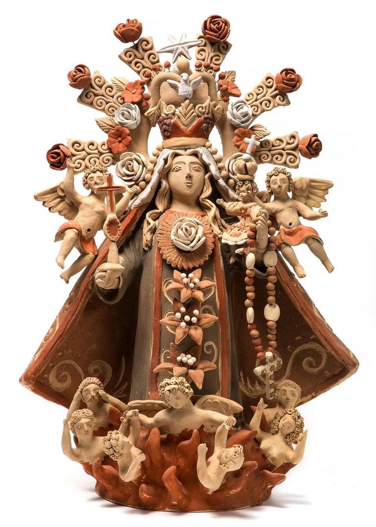 Enedina Vasquez Cruz Figurative Sculpture - Virgen del Rosario / Ceramics Mexican Folk Art Clay